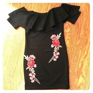 Dresses & Skirts - Black flower appliqué dress